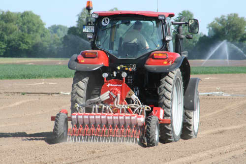Kverneland Miniair Nova pneumatic precision seed drill for a large variety of natural, coated or pelleted seeds