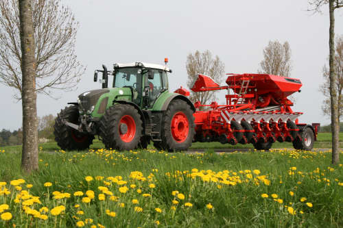 Kverneland optima TFMaxi, high performance and 16 rows, also safe and efficient transport when folded