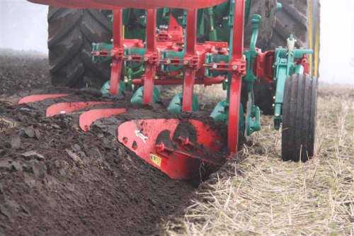 Kverneland 150 S, easy to use and adjust, auto reset system for non stop ploughing