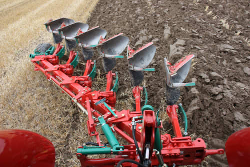 Kverneland Ecomat perfect for shallow ploughing