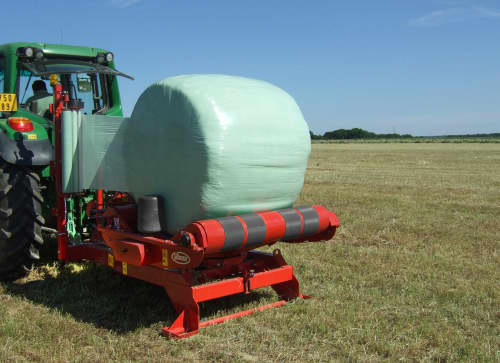 Bale Wrappers - VICON BW 2100, reliable way of wrapping bales also three-point mounted turntable wrapper