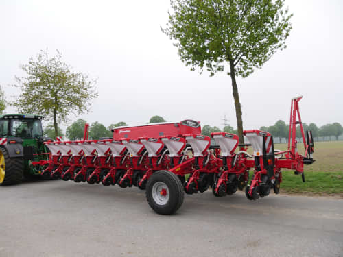 Kverneland precision seeders
