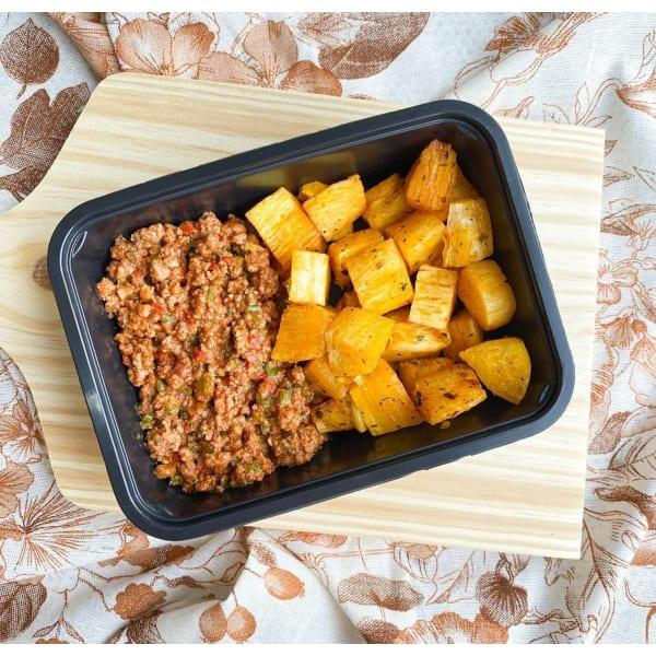 Carne moída com mandioca em pedaços - 300g - Vipx Gourmet