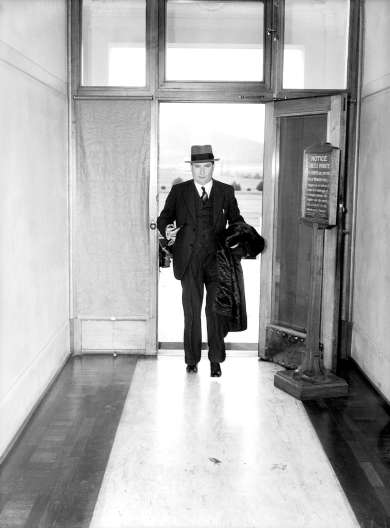 Mr Arthur Fadden arriving at Parliament House on 29 August 1941