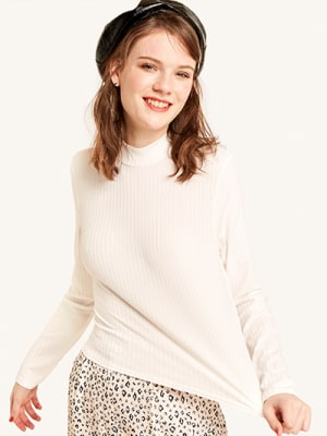 Cream Rib Funnel Neck