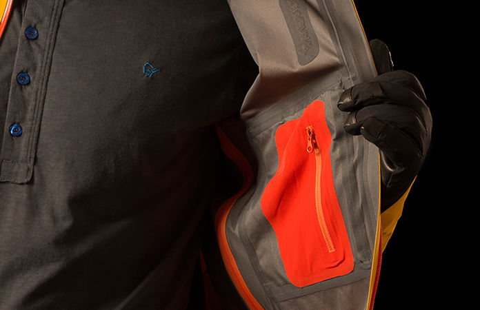 Norrøna lyngen driflex3 jacket - Inside pocket and powder skirt