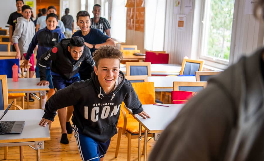 En gjeng med unge gutter på Guttas Campus i 2018