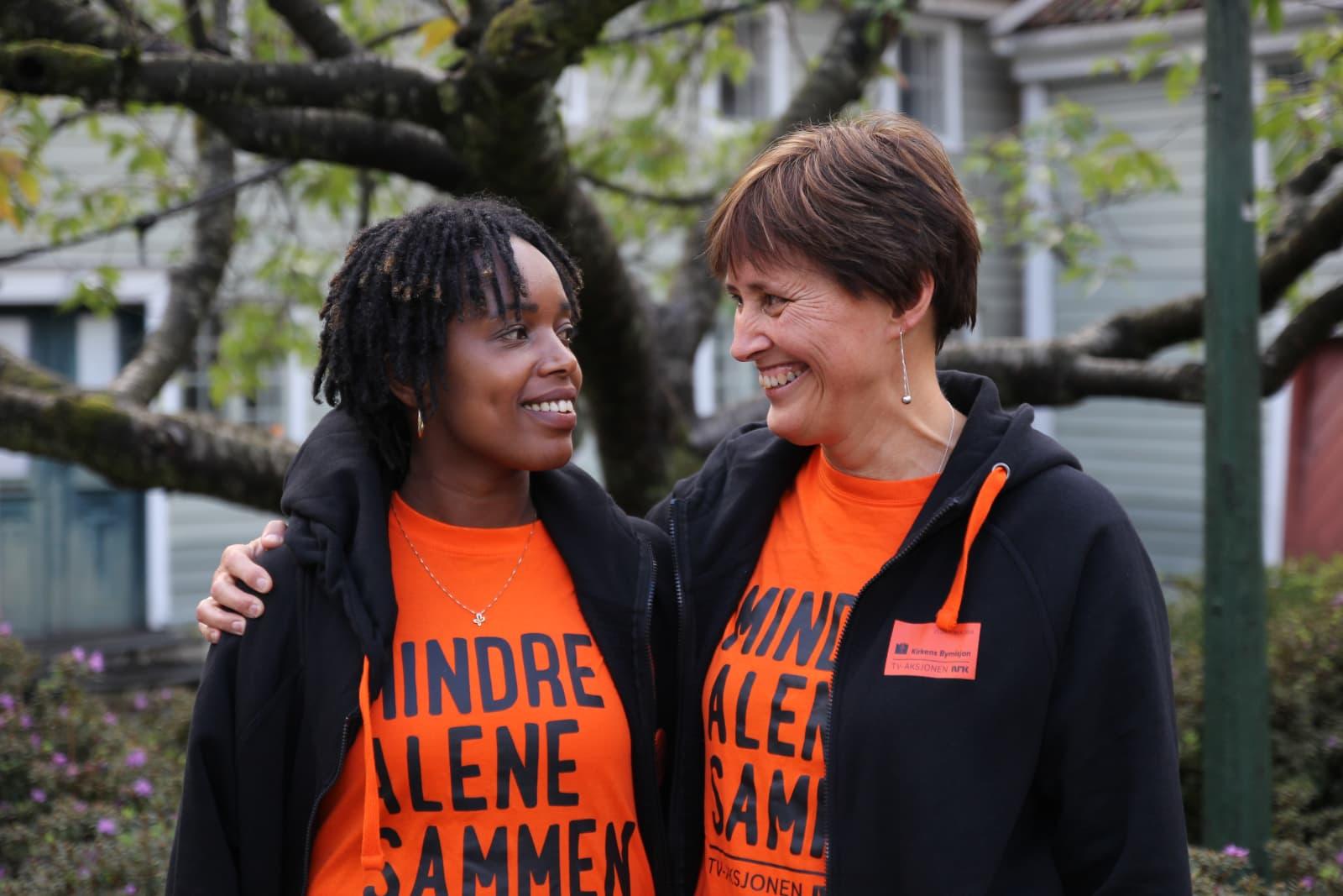 Francine og Åse fra Kirkens Bymisjon Bergen er prosjektledere for Veiviser. Foto: Kirkens Bymisjon