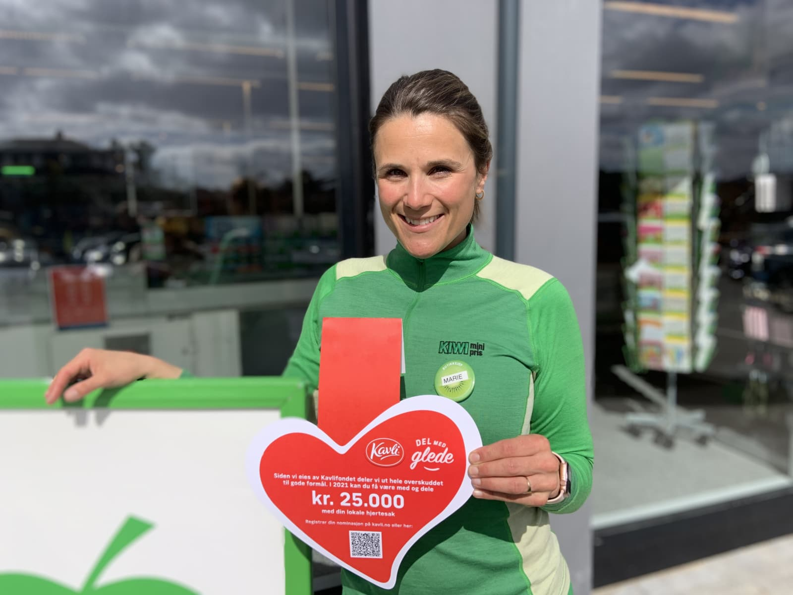 Marie Steine Madsen driver en av nesten 700 KIWI-butikker som sammen med oss i Kavli jakter på nordmenns lokale hjertesaker. Hun ser frem til å være med på å skape lokalt engasjement, og vil selve nominere lokale idrettslag.