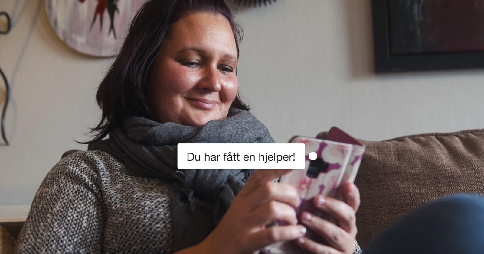 Sonja bruker Goodify-appen for å spørre om hjelp til mat og klær, og har positive opplevelser med hjelperne. - Jeg er evig takknemlig for hjelpen jeg har fått, sier hun.