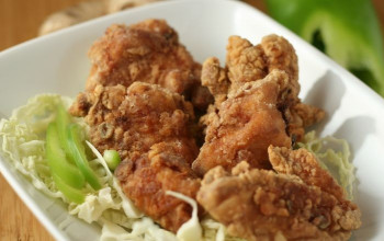 Red-Wine-Marinated Fried Chicken with Onions