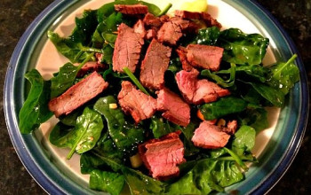 Sweet Onion, Steak, and Spinach Salad