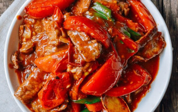 Chinese Tomato Spinach Sauce with Beef