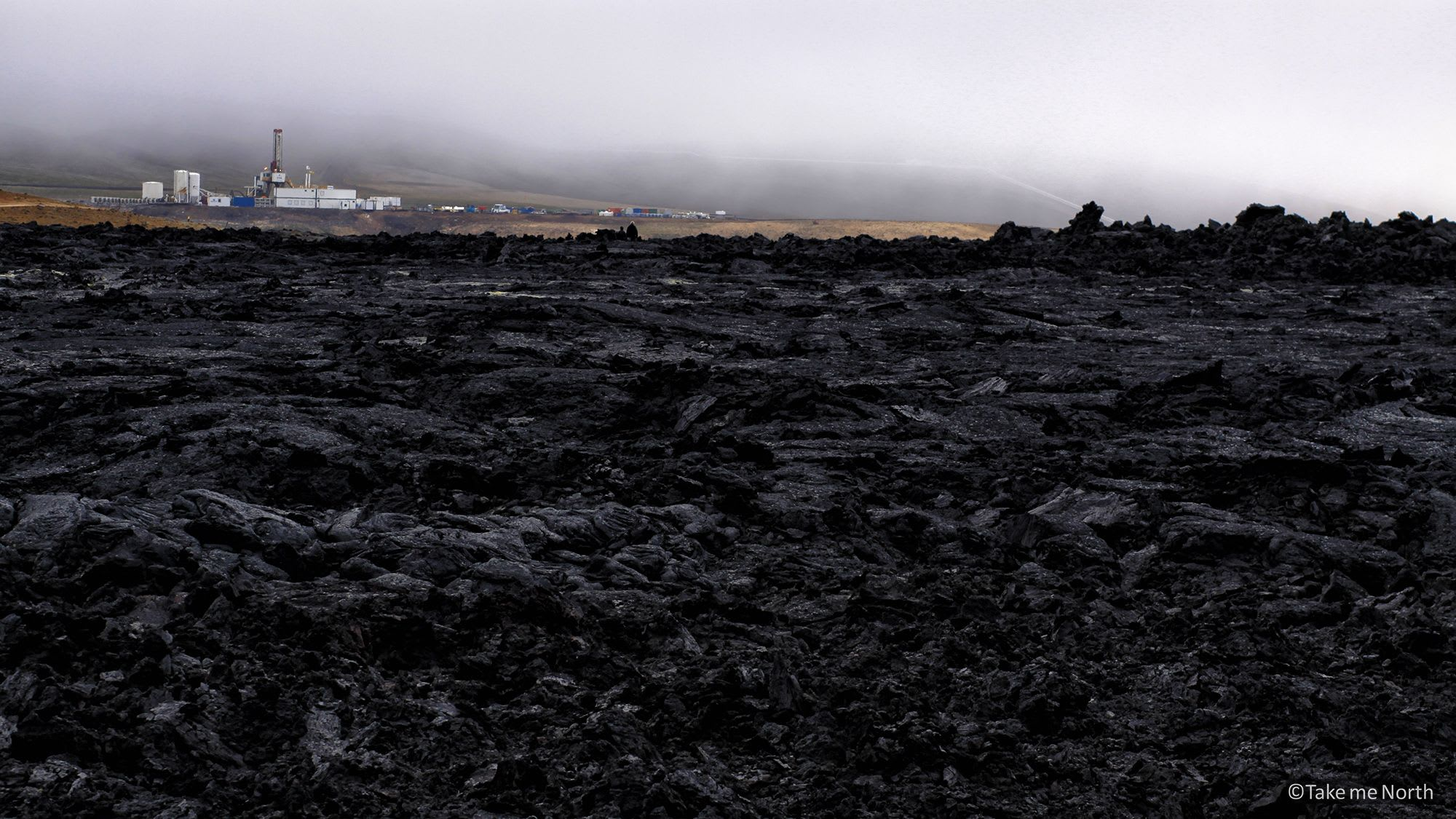 Kröflustod drilling site between lava fields