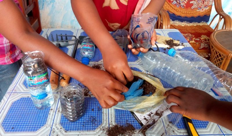 Voisins Solidaires Togo: Togo Recycling Experience : Help Manage Lomé's Waste!