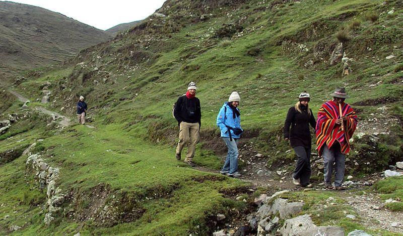 Pacha Trek Biocultural: Bolivia Hiking Tour: Discover Local Culture Along the Pacha Trek