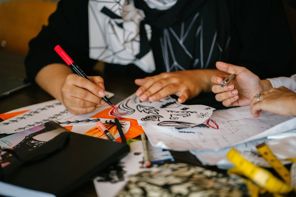 Support Artists and the Arts with a Team Drawing Class