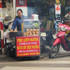 Hanoi street food - Vietnamese barbeque