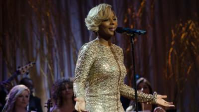 15 years later, Mary J  Blige 'Love & Life' deserves more