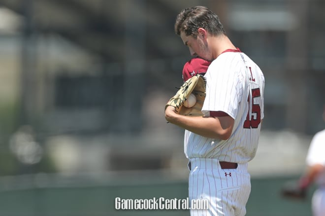 Gamecocks force Game 3 in super regional