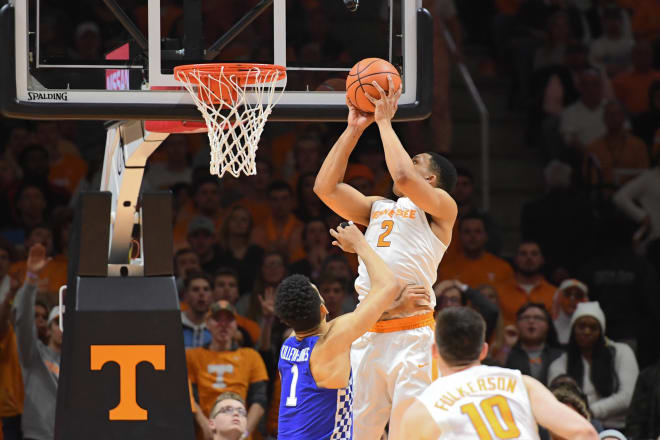 Tennessee's Grant Williams pranks Admiral Schofield after beating Kentucky