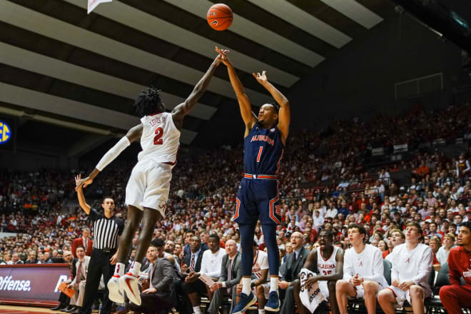 No. 16 Auburn back home to face SC