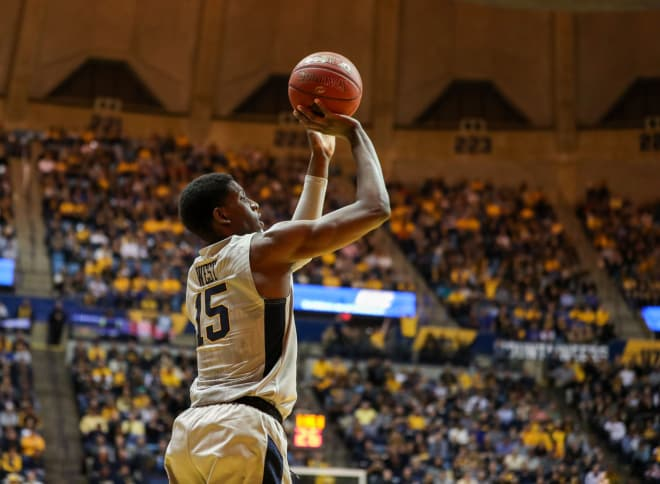 No. 6 West Virginia dominates Texas in blowout