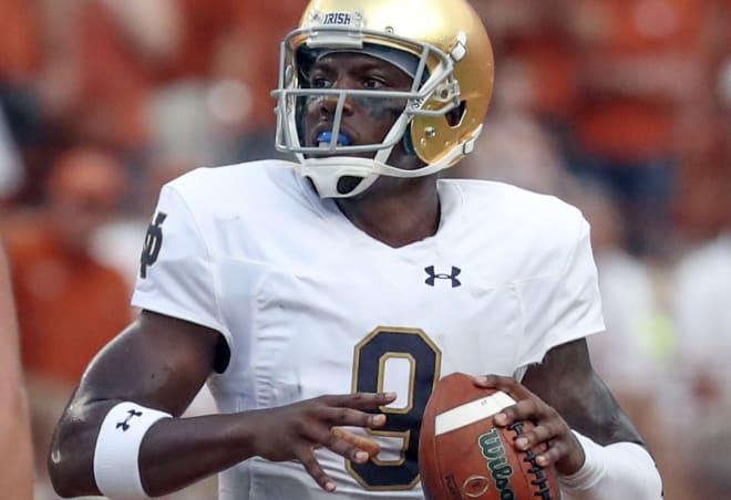 Notre Dame graduate transfer quarterback Malik Zaire