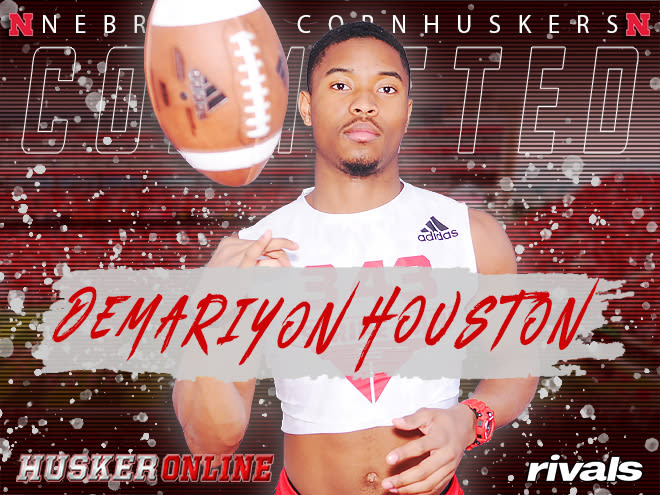 Wide receiver Derariyon Houston announced he will be signing with Nebraska on Wednesday.