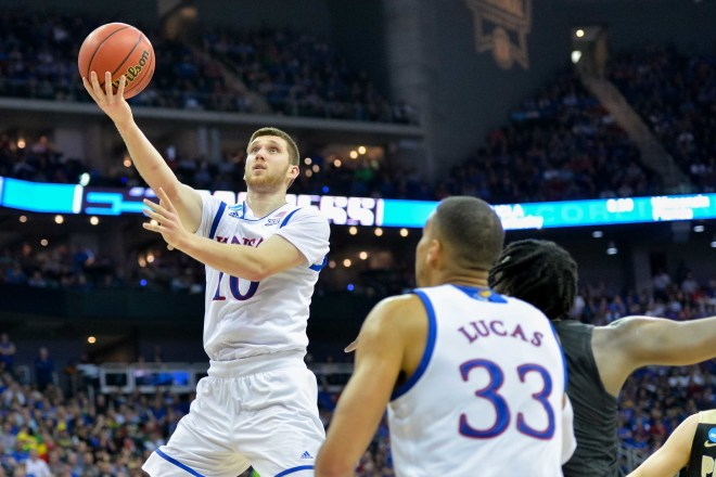 Svi Mykhailiuk will return to Kansas for senior season