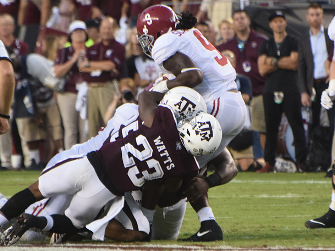 No. 1 Alabama holds off scrappy Texas A&M