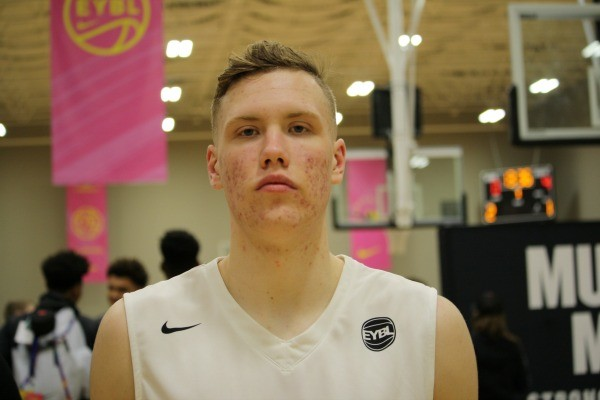 4-star wing Ignas Brazdeikis commits to MI