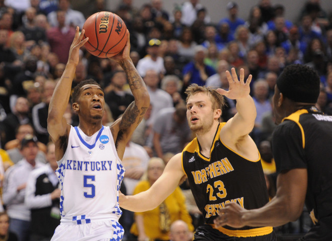 'I gotta jump': Bam, Hawkins, Calipari break down Wichita State's final shot