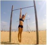 Hanging shoulder traction for calisthenics street workout