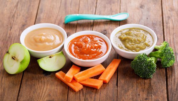SHOULD YOU MAKE YOUR OWN BABY FOOD?