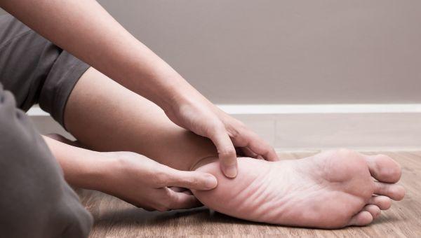 Diabetes Symptom #10: Numbness, tingling or pain