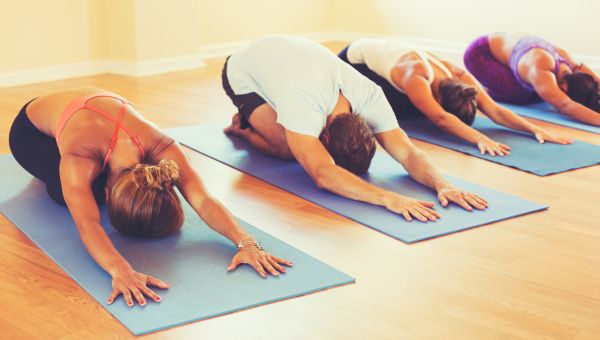 5 Ways to Stick to Your Yoga Practice During the Holidays