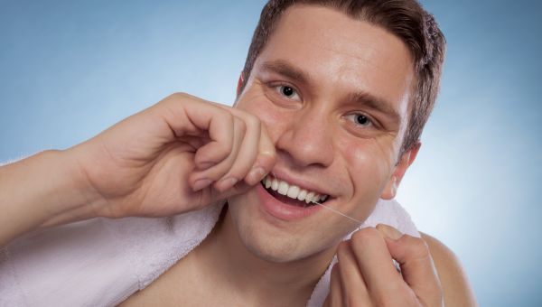 How Flossing Teeth Can Prevent Lung Disease