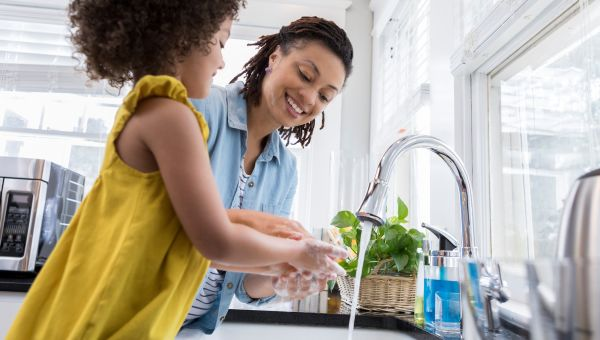9 Ways to Avoid Germs Throughout Your Day