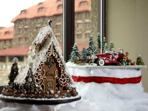 2016 National Gingerbread House Competition™ Display