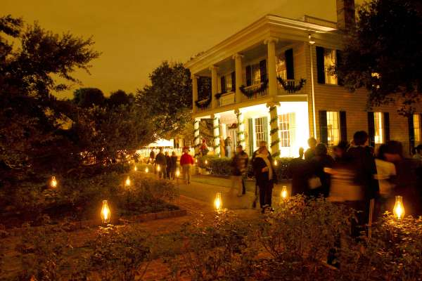 The Heritage Society's Annual Candlelight Tour