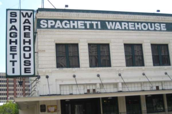 15% Off Meal at Spaghetti Warehouse