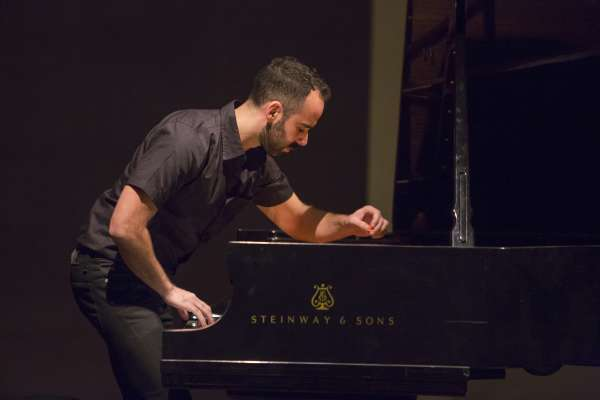 Pianist Adam Tendler in concert at the Rothko Chapel