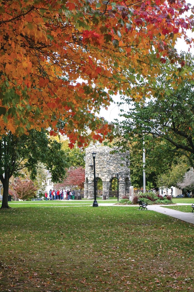 fall-touro-park_credit-discover-newport
