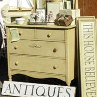 Coburg Antiques Fair by Cari Garrigus