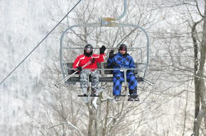 finger-lakes-bristol-mountain-canandaigua-wave-ski-lift