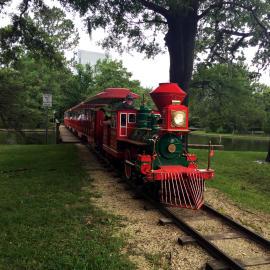 Yo Mariana - Hermann Park Tren
