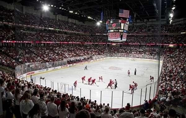 UW Men's Hockey vs. University of Minnesota
