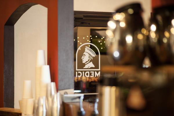Caffe Medici West Lynn interior