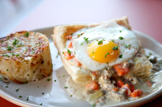 snooze-breakfast-pot-pie